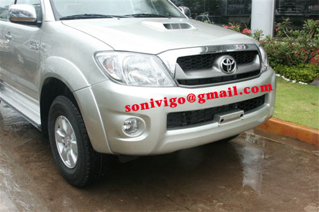 front closeup view of LHD Toyota Hilux Vigo 2010 2009