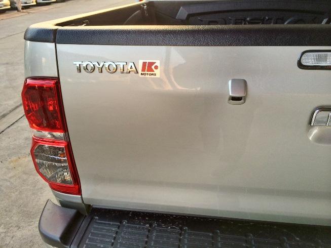 2014-Toyota-Hilux-Vigo-3000cc-Auto-4WD-rear-closeup