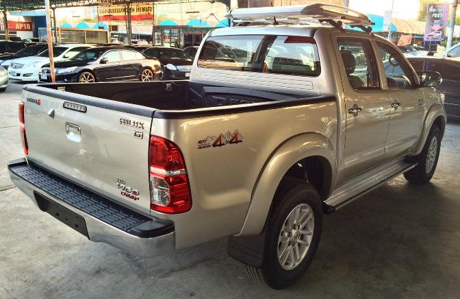 2014-Toyota-Hilux-Vigo-3000cc-Auto-4WD-side