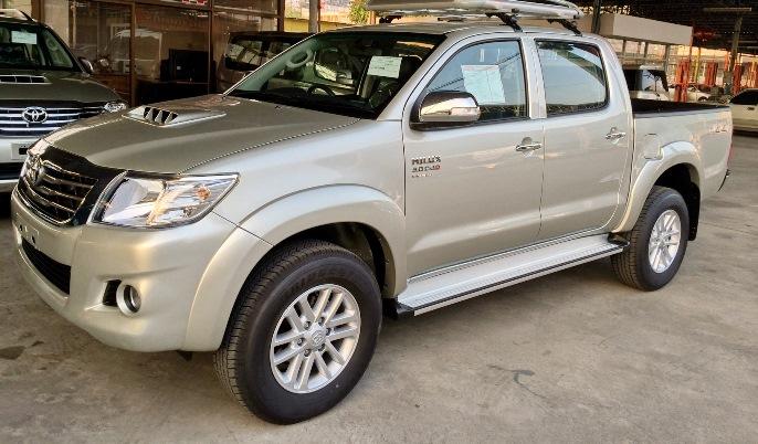 2014-Toyota-Hilux-Vigo-3000cc-Auto-4WD-side2