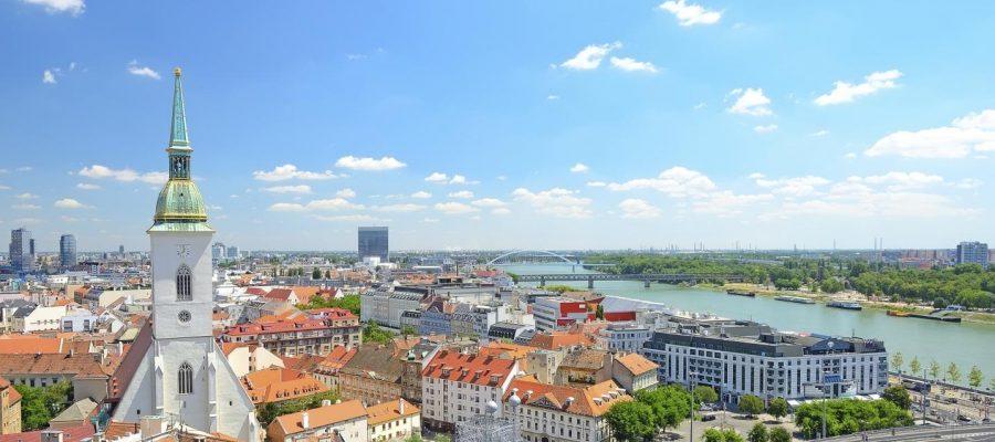 Dubai, Oman, Bahrain, United States, Canada and Europe Car Exporter Importer to Slovakia