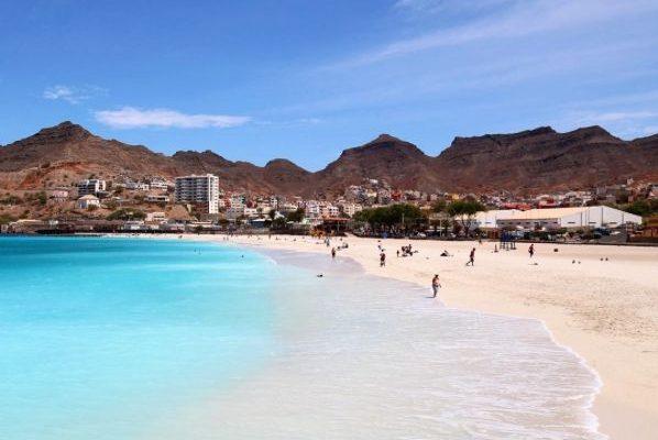Dubai, Oman, Bahrain, United States, Canada and Europe Car Exporter Importer to Cape Verde